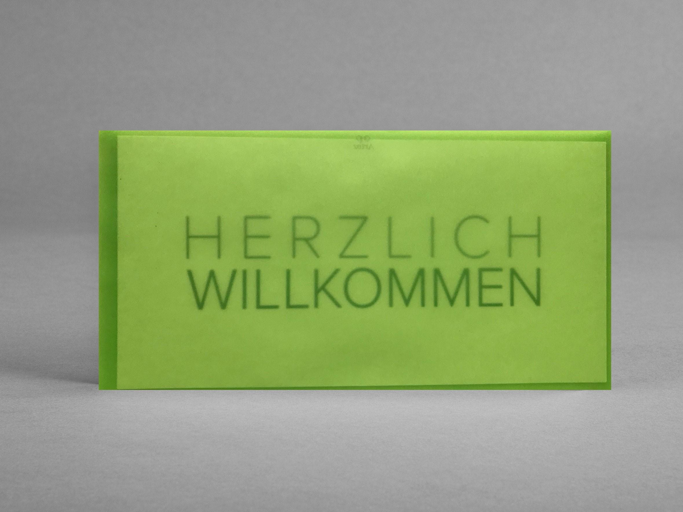 Grusskarte_Herzlich-Willkommen_GuD_im-lemon-gruenen-Transparentkufert_artoz_grusskarten-designFESTNQyMgp6Cj