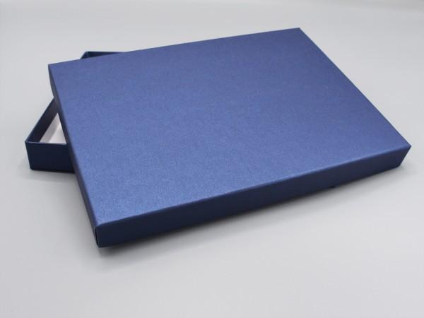 In saphir glow: Stabile Schachtel mit Deckel als Geschenkbox oder Fotobox - original artoz PURE Box