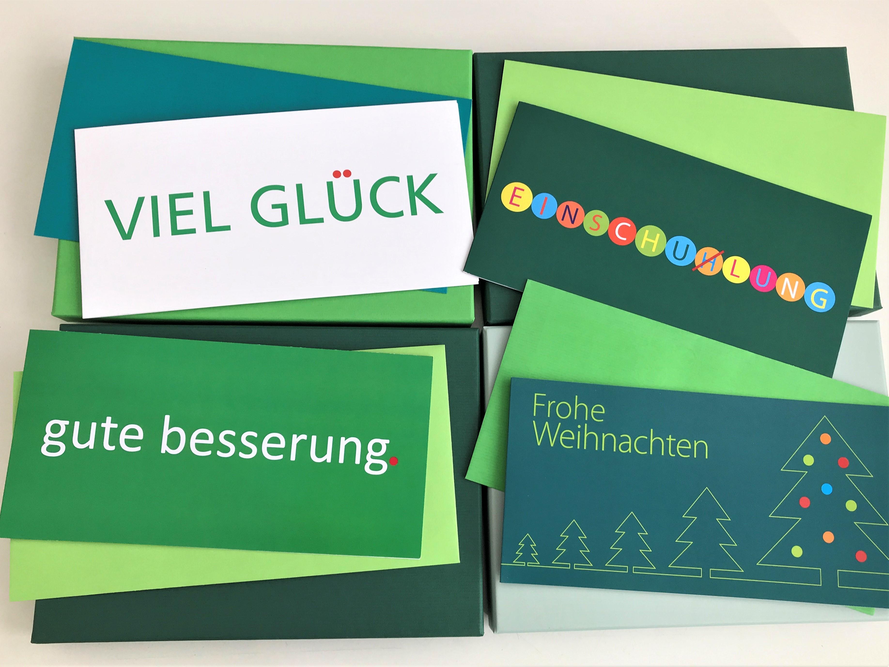 Die-Farbe-gr-n_gr-ne-Grusskarten_Kuverts_atoz-pure-Box_grusskarten-designJGsvbQL50dBam
