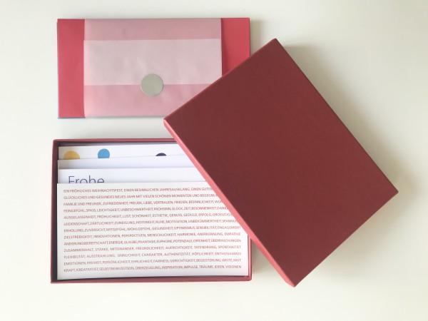 Kartenbox rubin: 10 besondere Grußkarten in der edlen artoz Pure Box A5 in rubin glow mit Kuverts vo