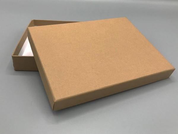 A6 in Kraftpapier: Stabile Schachtel mit Deckel als Geschenkbox o. Fotobox - original artoz PURE Box