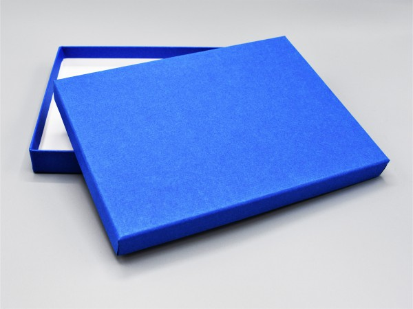 In majestetic blue: Stabile Schachtel als Geschenkbox o. Fotobox - original artoz PURE Box A5