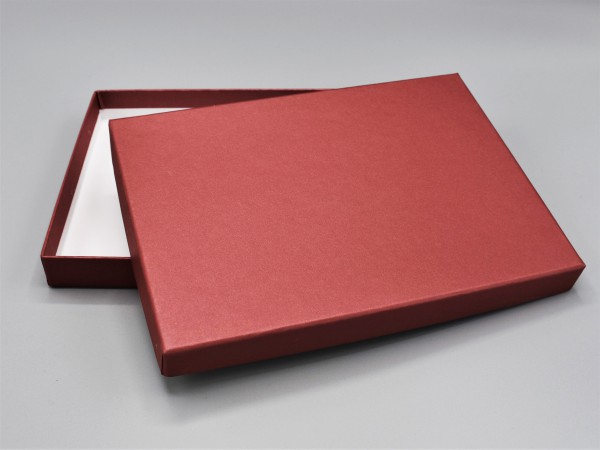 In rubin glow: Stabile Schachtel mit Deckel als Geschenkbox o. Fotobox - original artoz PURE Box A5