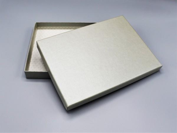 In olive glow: Stabile Schachtel mit Deckel als Geschenkbox o. Fotobox - original artoz PURE Box A5