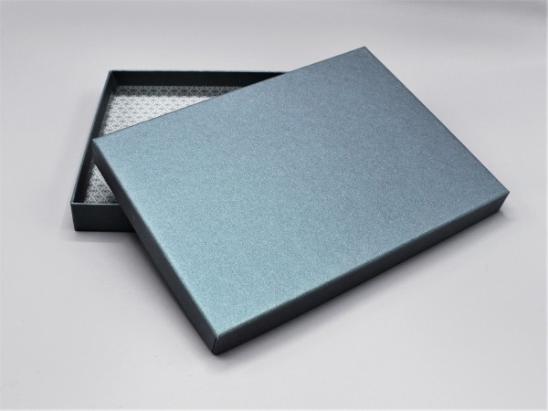 In petrol glow: Stabile Schachtel mit Deckel als Geschenkbox o. Fotobox - original artoz PURE Box A5