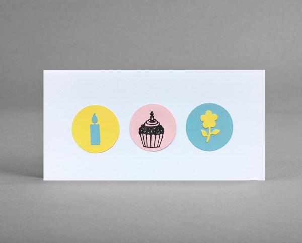 SOMMERLICH: Glückwunschkarte mit Cupcake, Blume und Kerze im Kreis inkl. Kuvert